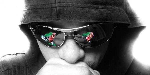 Poker con Gafas Oscuras